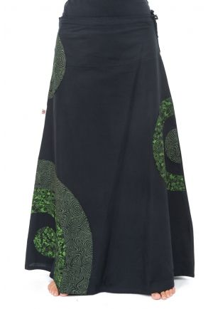 Long skirt romantic and psychedelic green heroine